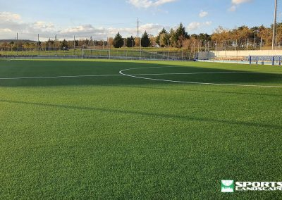 Replacement of the artificial grass on the El Pinar field, in Zizur Mayor (Navarra)